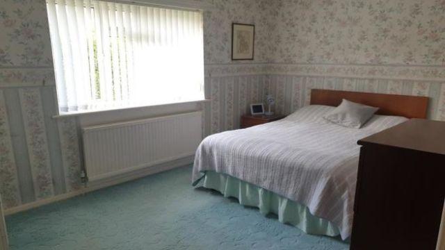 3 bedroom detached bungalow for sale Middle Path