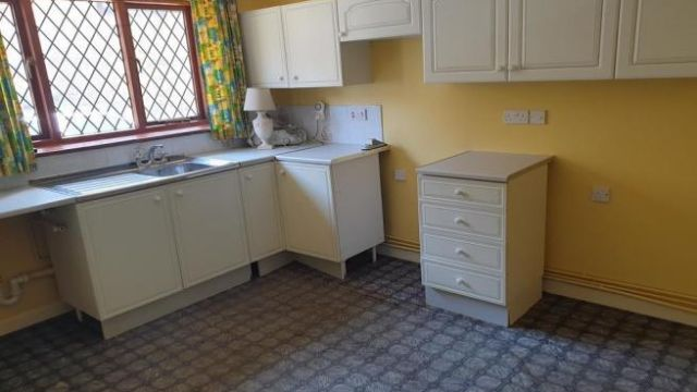 2 bedroom semi-detached bungalow for sale Crewkerne