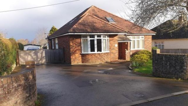 4 bedroom detached bungalow for sale Crewkerne