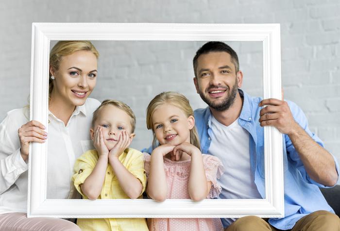 Frame (Family In Frame)