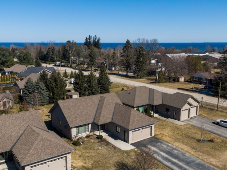 14 Fairway Ave. Meaford