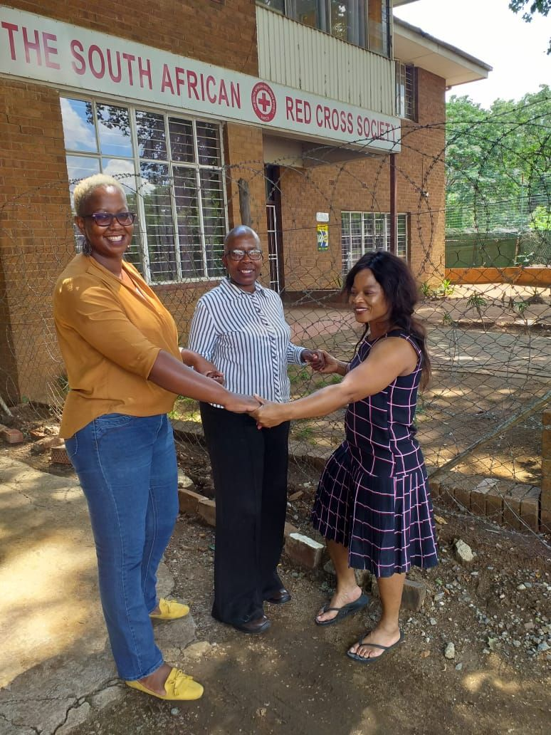 Team Aido SA and Red Cross extending a helping hand to the victims of floods in Pretoria.